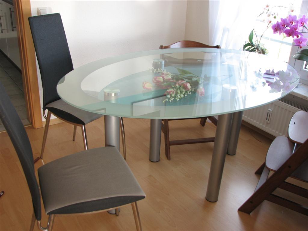 glastisch oval mit 4 st hlen. Black Bedroom Furniture Sets. Home Design Ideas