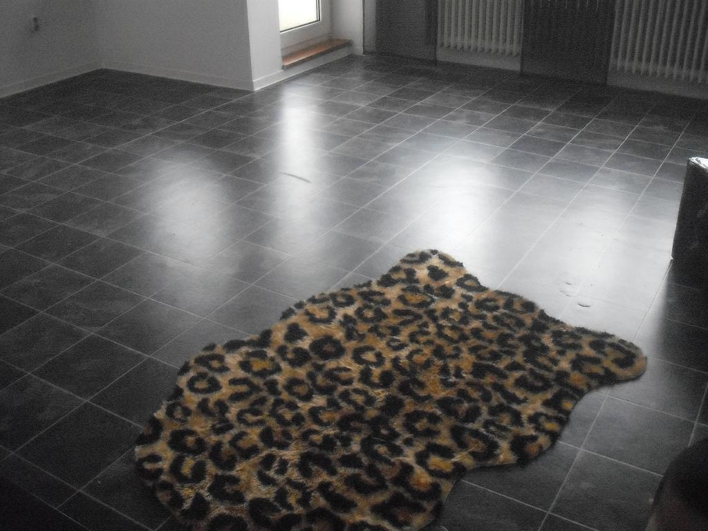 pvc schwarze fliesen optik wohn design. Black Bedroom Furniture Sets. Home Design Ideas