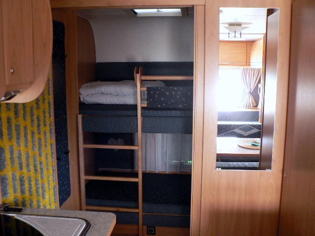 Wohnwagen Mit Etagenbett Und Klima : Luxus wohnwagen klima vorzelt tv mover campanda