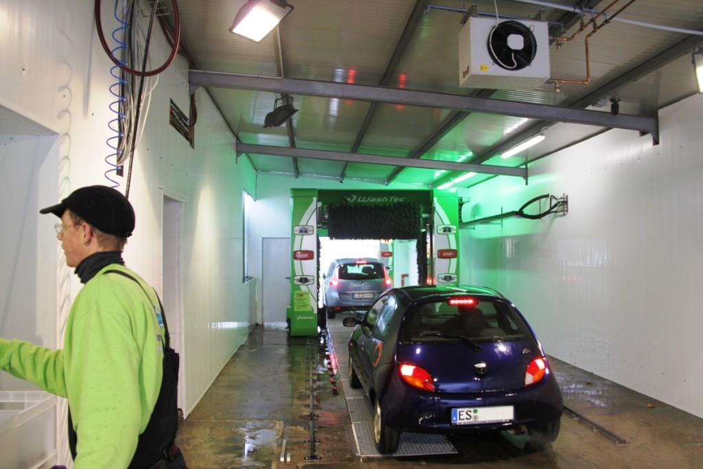 gro aum kirchheim neue textile auto waschanlage 39 39 besser waschen 39 39 reinigt lackschonend. Black Bedroom Furniture Sets. Home Design Ideas