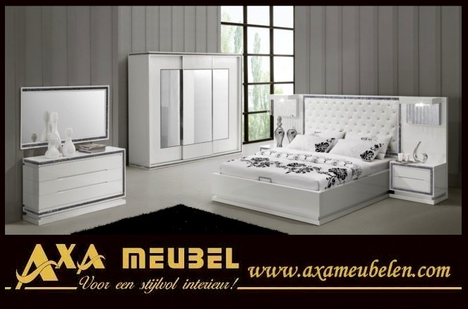 Schlafzimmer Hochglanz Weiß mit Swarovski Steinen AXA Moebel