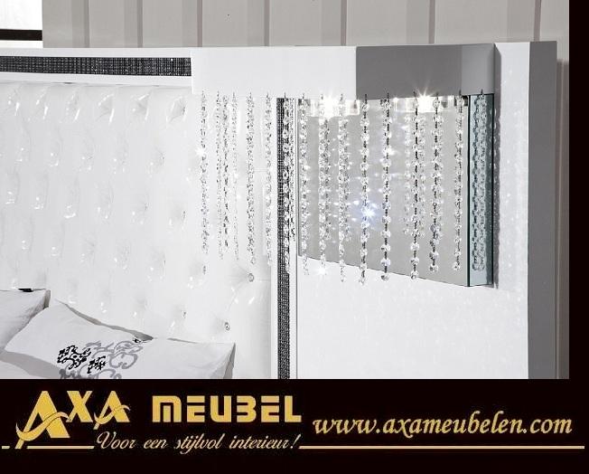 Schlafzimmer Hochglanz Weiß Mit Swarovski Steinen AXA Moebel - Schlafzimmer swarovski