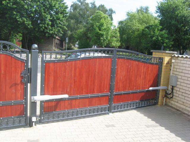 Zaun aus Polen, Metallzaune, Schmiedeeisenzaune, Tore, Tor