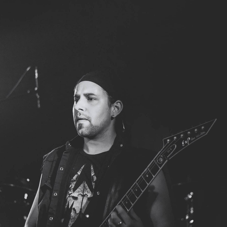 !! METAL-GITARRIST (27) Sucht Anschluss an eine Band im