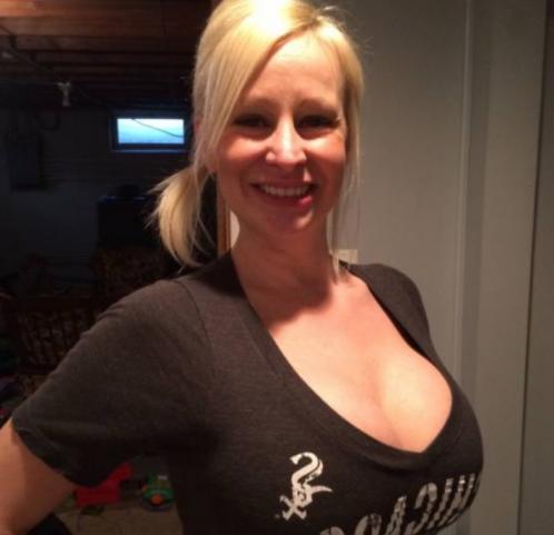 Carlie ( Erotik Partnerbörse Milf ab 40 )